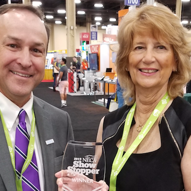 Jan Sandri receives 2019-Showstopper-Award from Electrical Contractor small